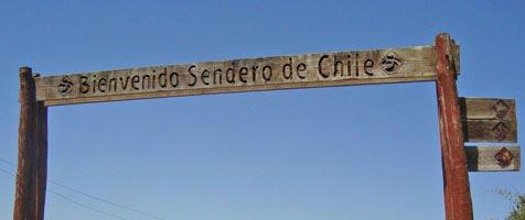 Letrero Sendero de Chile en playa Mar Brava